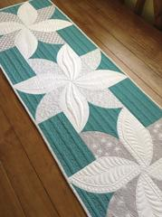 Quick Curve Ruler Flower Table Runner - East Aurora