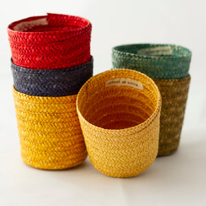 MULTI-COLORED WICKER DRINK SLEEVES