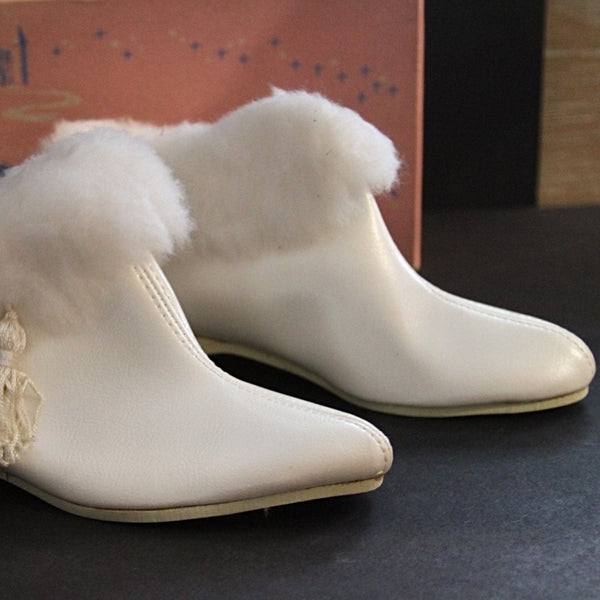 KLICKETTES WHITE GO-GO BOOTS Trimmed in White Fur New Old Stock with Box