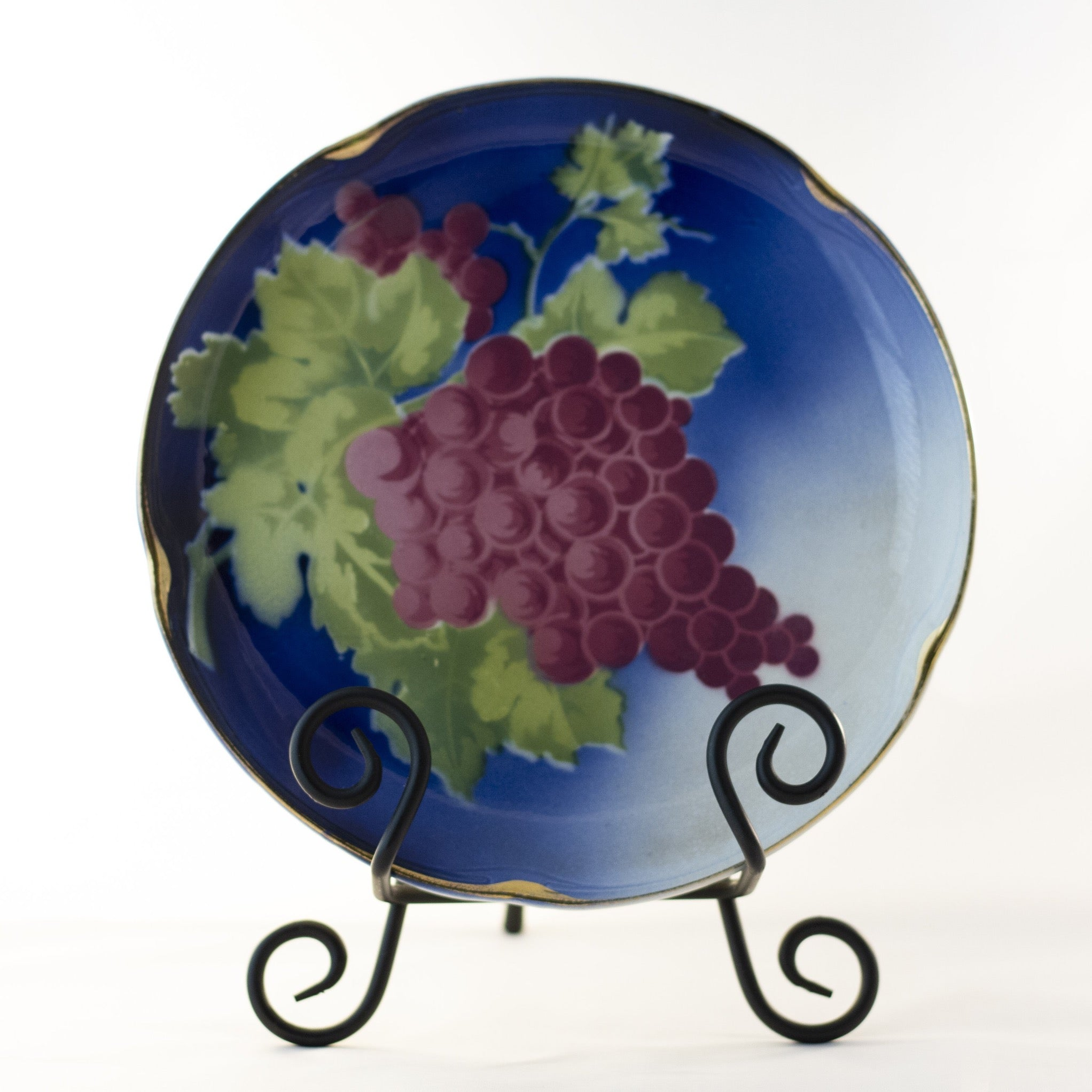 "K & G LUNÉVILLE FRENCH FAIENCE PLATE HAND PAINTED GRAPES 8 ½"" Gold Gilt Rim Circa 1900"