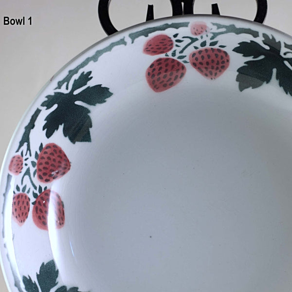 LUNÉVILLE FAIENCE SERVING BOWL SET Circa Late 19th/Early 20th Century Rare Strawberries Pattern