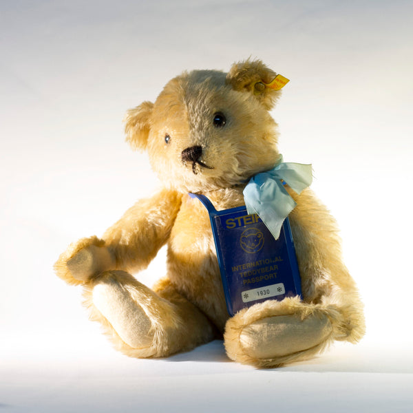 Collectible STEIFF INTERNATIONAL PASSPORT TEDDY BEAR Passport #1930