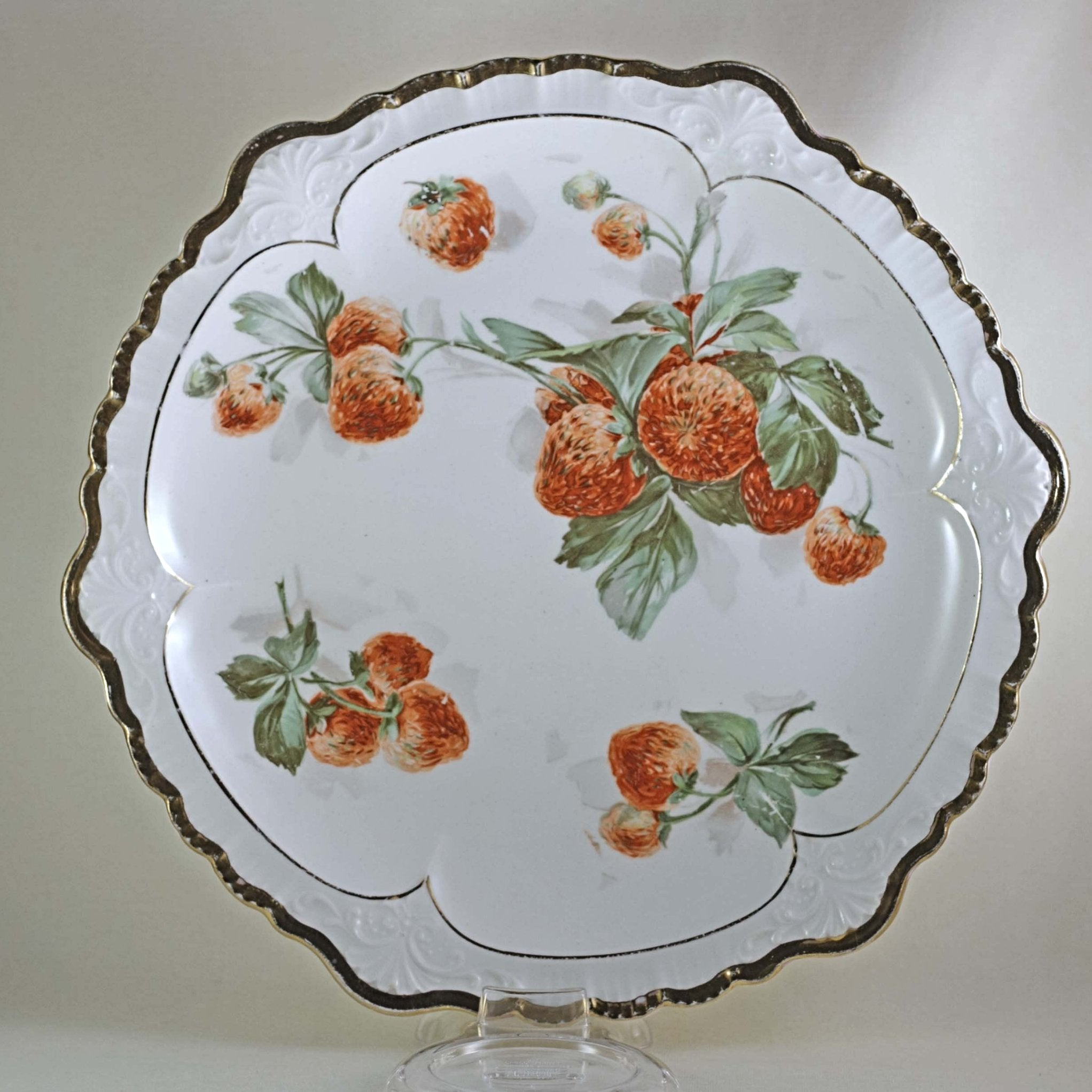 SÈVRES STRAWBERRIES PLATE Scalloped Gold Trim Edge Circa 1900