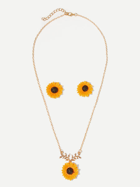 Women's Daisy Pendant Gold Necklace & Earrings Set