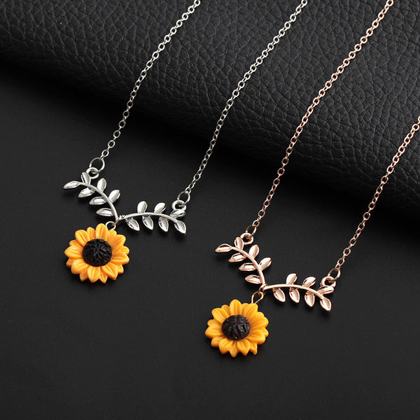 Sunflower Leaf Fashion Pendant Necklace With Lovely Flower Collarbone Chains