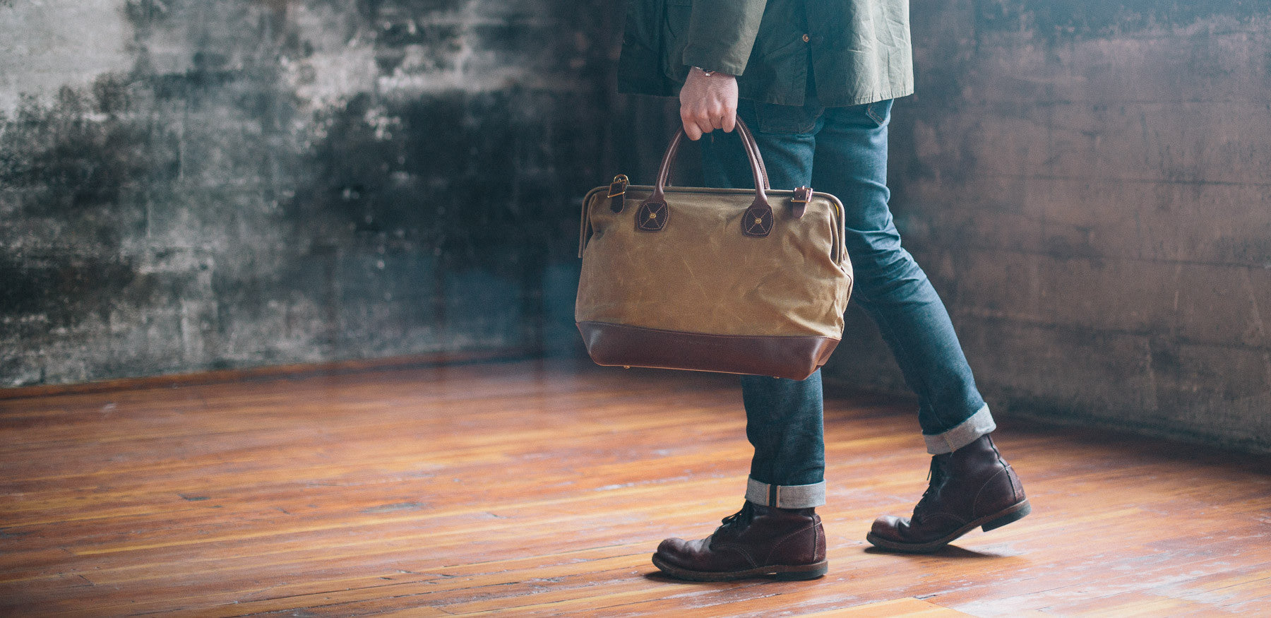 The waxed canvas Carpenter Bag