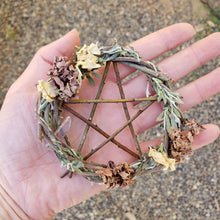 Load image into Gallery viewer, Pentagram Willow Wreath 4""