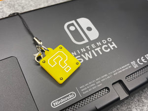 Super Mario ? Block Switch charm