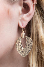 Load image into Gallery viewer, Contemporary Gold Hammered Metal Earrings