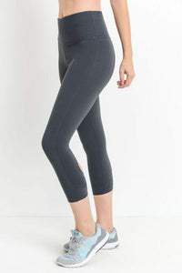 Teardrop Capri Leggings
