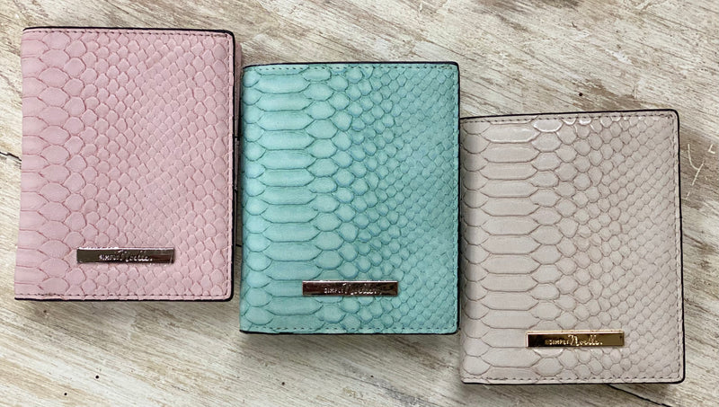 Simply Noelle Gator Mini Wallet
