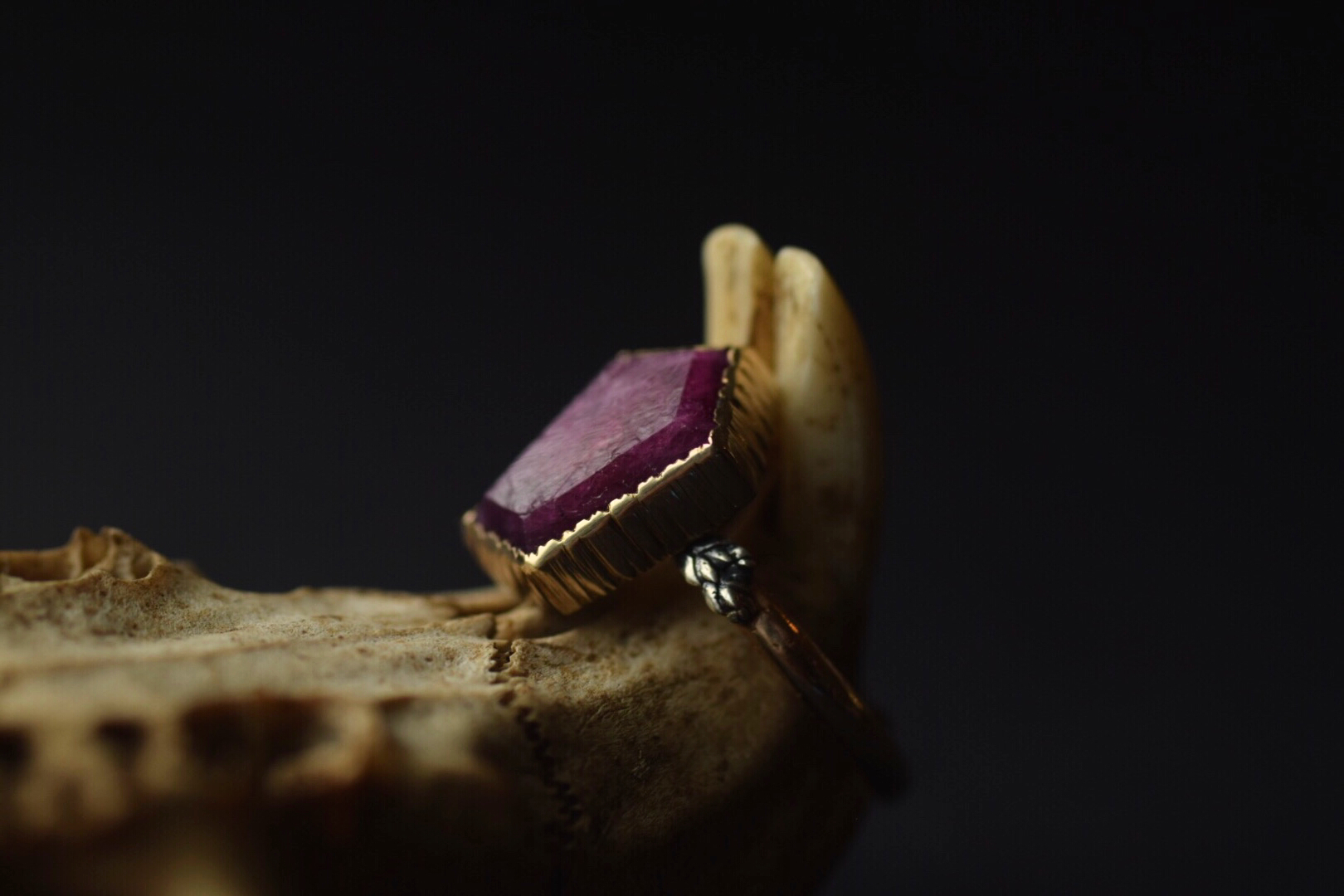 14k Gold Raw Ruby Coffin Ring - Size 6