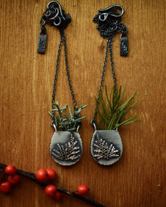 XFern Vase Necklace