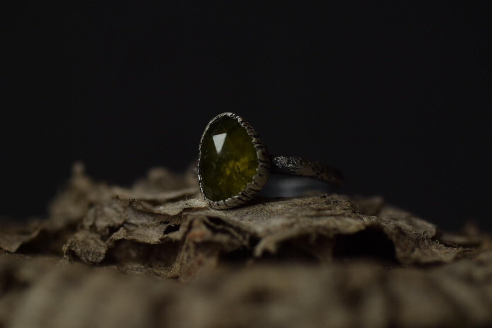 Vesuvianite Fern Ring - Size 7.5