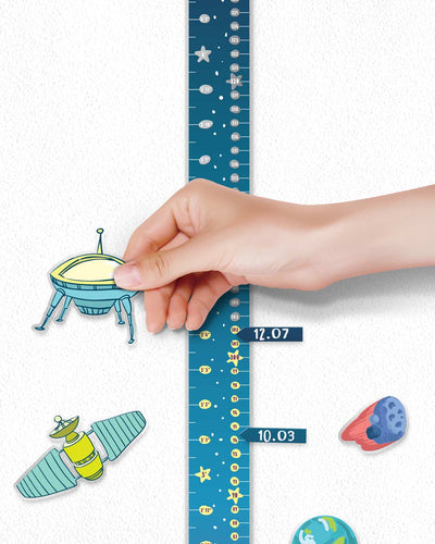 """SPACE ADVENTURES"" Scratch-off Wall Growth Chart"