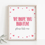 Pink Hearts Favors Table Sign