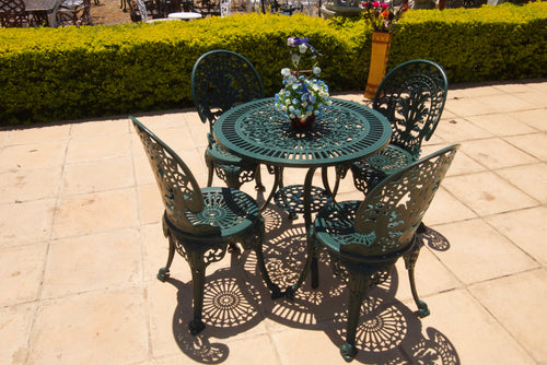 Four-Seater Royal Set with 75cm Round Petite Table