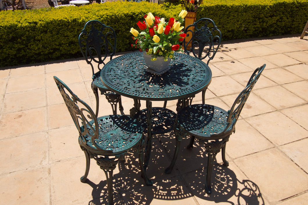 Four-Seater Mystic Rose Set with 80cm Round Mystic Rose Table