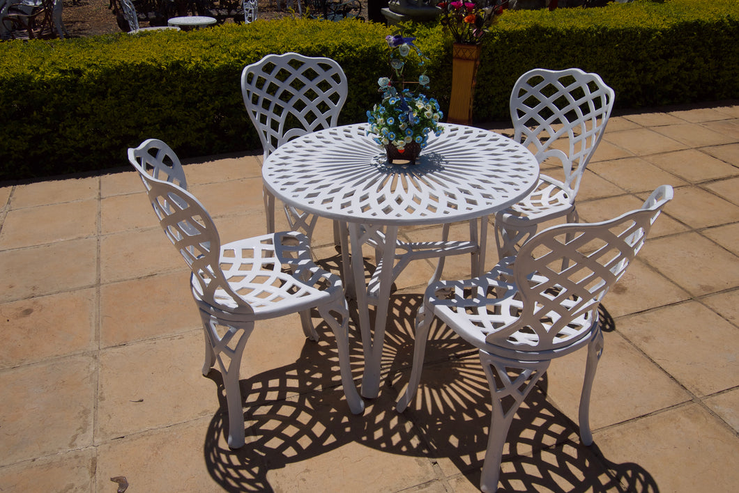 Four-Seater Small Crystal  Set with 85cm Round Crystal Table