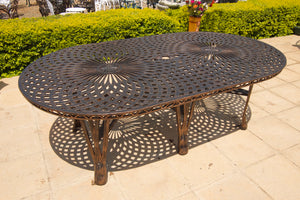 Eight-Seater Willow Set with 219cmx125cm Oval Crystal Table