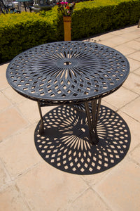 Four-Seater Crystal Set with 100cm Round Crystal Table
