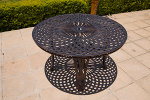 Six-Seater Crystal Set with 125cm Round Crystal Table