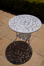 Load image into Gallery viewer, Two-Seater Willow (NO ARMS) Set with 62cm Round Ivy Table