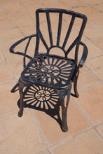 Load image into Gallery viewer, Two-Seater Small CapeSun Set with 44cm Round Royal Table
