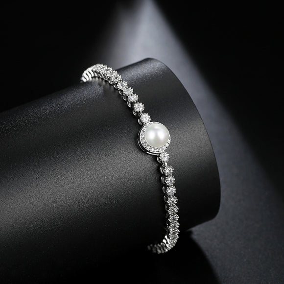 Luxury Cubic Zirconia Single Pearl Bridal Bracelet