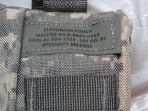 MOLLE II ACU FLASHBANG GRENADE POUCH