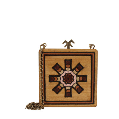 Chestnut Clutch Solar