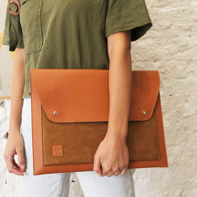 Laptop Sleeve Farfallo Havane Suede