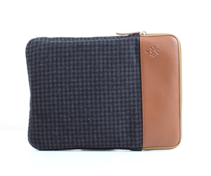 Black Caro x Havane Colour Block Laptop Sleeve