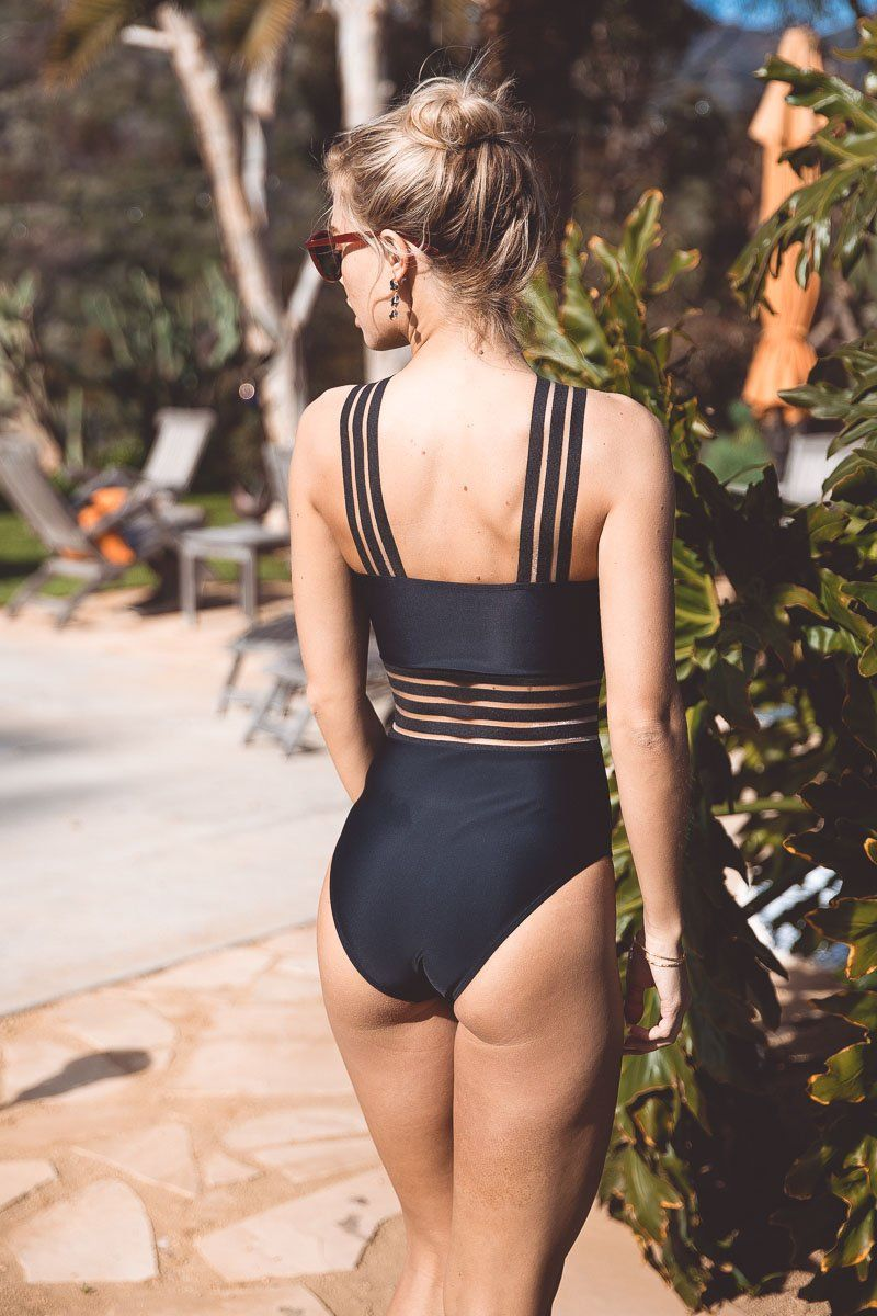 imogen-crossover-one-piece-one-piece-a-hrefhttpsaavaswimcomcollectionshannahhannaha-438676.jpg