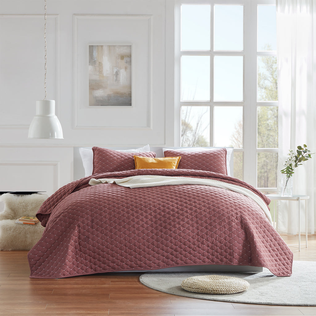 sleep zone bedding premium solid quilt set with pillowcases burgundy red bedroom sunshine