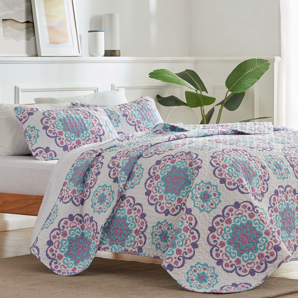 sleep zone bedding printed classic circle quilt set with  pillowcases white pink blue flower bedroom sunshine side view