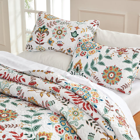 Floral Quilt Set with Pillowcases