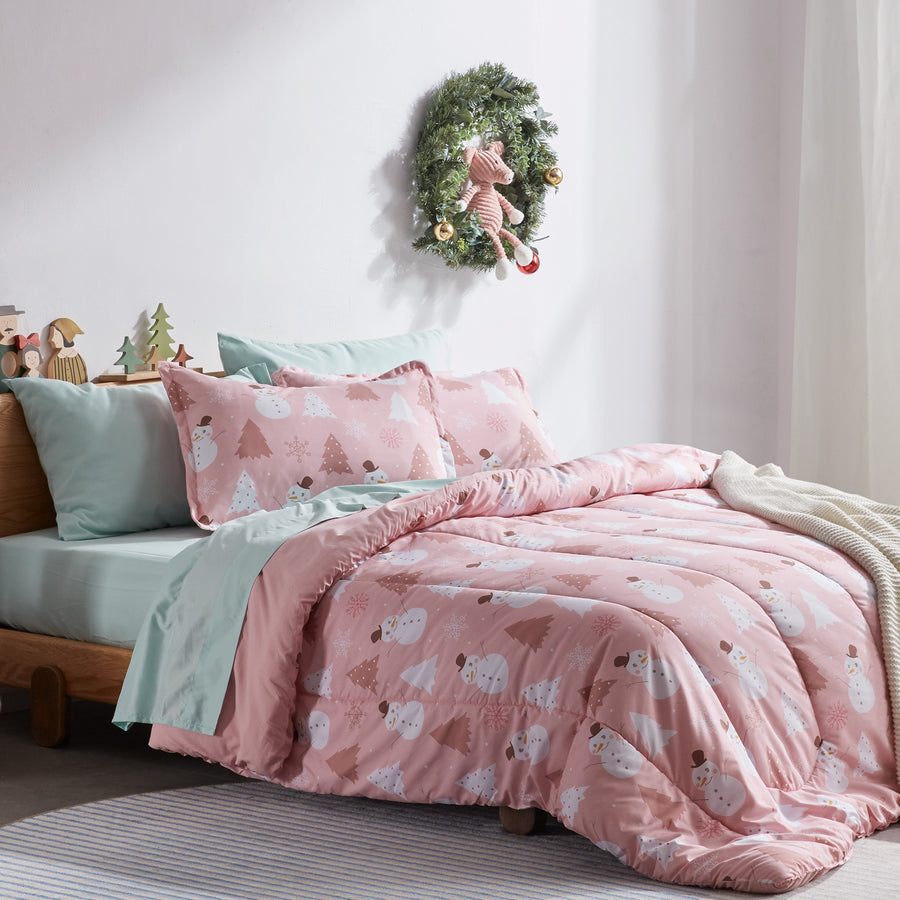 Sleep Zone® Pink Snowman Kids Comforter Set