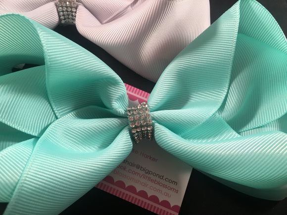 "5.5"" Bow in Aqua or Light Grey"