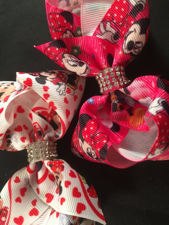 "3.5"" Minnie bow (choice of 2 colours)"