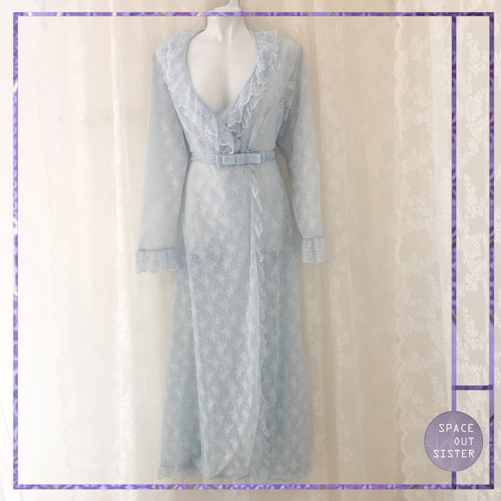 Vintage 80s Powder Blue Lace Robe