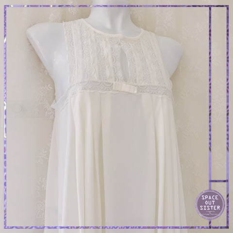 1980s Bow White Nightdress