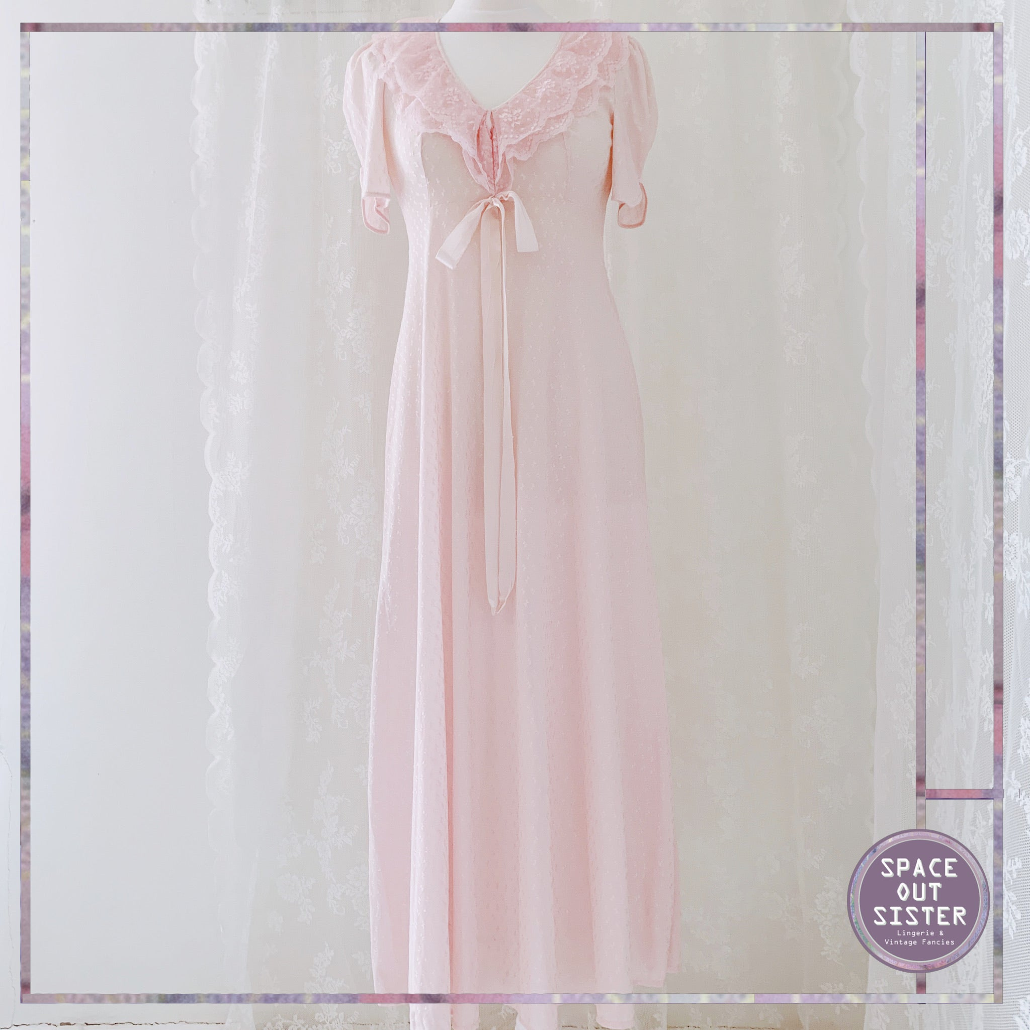 1970s Vintage Full Length Rose Pink Nightgown