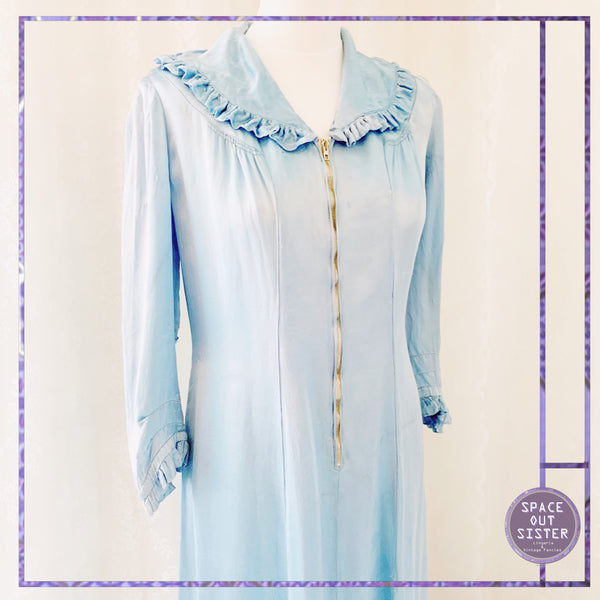 Circa 1940s Vintage Zipped Blue Robe