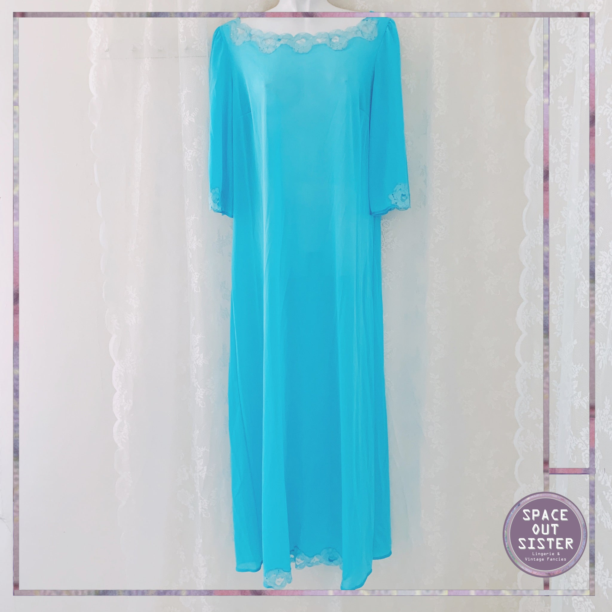 1970s Vintage Turquoise Full Length Nightdress