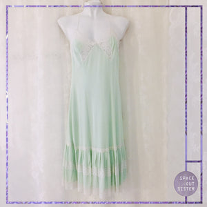 Polkas Mint Green Slip