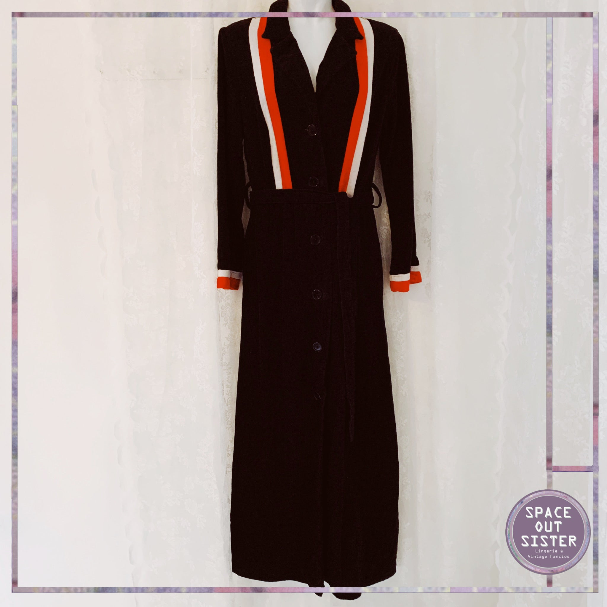 1970s Vintage Dynamic Stripes Robe