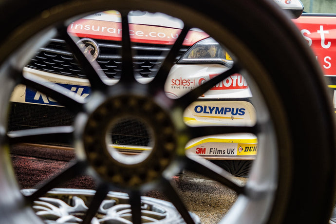 Olympus Sponsorship Deal with Power Maxed Racing gives Photographers opportunity to go behind the scenes at BTCC Rounds