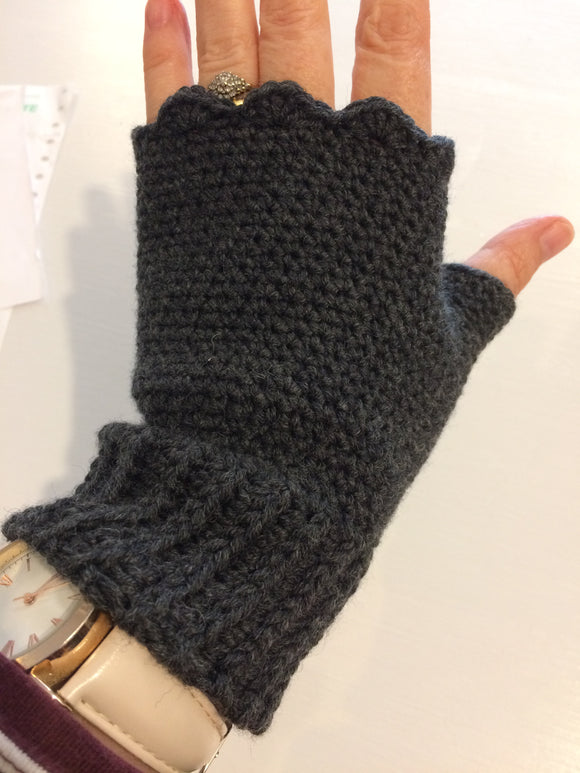 Saturday 3rd November: Next Steps Crochet Course - Fingerless Mitts.