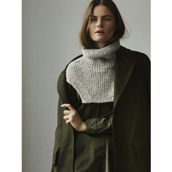 Isager Berlin Cowl Kit